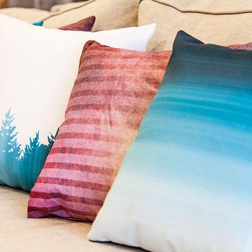 Print-on-demand pillow 3