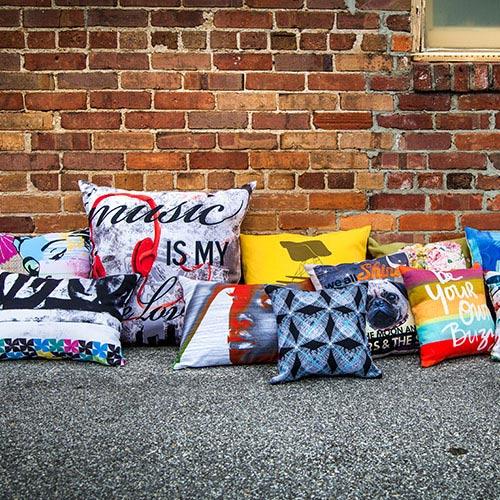 Print-on-demand pillow 4